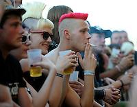 With Full Force XVI Festival Open Air - Roitzschjora / Löbnitz bei Leipzig - 40.000 metal heads join the biggest metal festival in eastern germany - ca 40.000 Besucher sind zur alljährlichen Ohrenmassage auf dem Segelflugplatz erschienen- im Bild: Fans, die so sicher vor einigen Jahren noch nicht vor einer Bühne gestanden hätten , auf der Stephan Weidner - jetzt der W. - aufgetreten ist. Foto: Norman Rembarz..