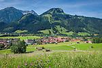 Germany, Bavaria, Swabia, Upper Allgaeu, resort Bad Hindelang in Ostrach Valley with Breitenberg mountain (1.887 m) and Imberger Horn (1.656 m) | Deutschland, Bayern, Schwaben, Oberallgaeu, Bad Hindelang im Ostrachtal vorm Breitenberg (1.887 m) und Imberger Horn (1.656 m)