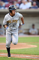 September 10, 2009: Adrian Ortiz of the Burlington Bees. The Bees are the Midwest League affiliate for the Kansas City Royals. Photo by: Chris Proctor/Four Seam Images