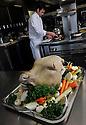 18/03/11 - MONTCEAU LES MINES - SAONE ET LOIRE - FRANCE - Preparation de la tete de veau par Jerome BROCHOT, etoile MICHELIN - Photo Jerome CHABANNE