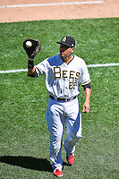 Efren Navarro (28) of the Salt Lake Bees during the game against the El Paso Chihuahuas in Pacific Coast League action at Smith's Ballpark on July 26, 2015 in Salt Lake City, Utah. El Paso defeated Salt Lake 6-3 in 10 innings. (Stephen Smith/Four Seam Images)