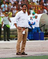 BUCARAMANGA-COLOMBIA-10-09-2016. Xxx (Izq) jugador del Atlético Bucaramanga disputa el balón con xxx (Der) jugador de Atlético Nacional durante partido por la fecha 11 de la Liga Águila II 2016 jugado en el estadio Alfonso López de la ciudad de Bucaramanga./ xxx (L) player of Atletico Bucaramanga struggles the ball with xxx (R) player of Atletico Nacional during match for the date 11 of the Aguila League II 2016 played at Alfonso Lopez stadium in Bucaramanga city. Photo: VizzorImage / Duncan Bustamante / Cont