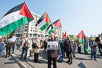 """Ostermarsch 2014 in Berlin.<br />Am Samstag den 19. April 2014 fand in Berlin der traditionelle """"Berliner Ostermarsch"""" fuer Frieden und gegen Ruestung statt. Mehr als 1.000 Menschen kamen zu der Friedensdemonstration, die vom Regierungsviertel zur """"Neuen Wache"""" zog. Auf etlichen Plakaten und Transparenten wurde ein Ende des Buergerkrieges in Syrien, sowie ein Stopp der westlichen Intervention in der Ukraine gefordert. Ebenfalls wurde sich gegen die Entwicklung und Anschaffung von Aufklaerungs- und Kampf-Drohnen fuer die Bundeswehr sowie ein Ende der Bundeswehr-Werbung an Schulen und in Arbeitsaemtern ausgesprochen. <br />19.4.2014, Berlin<br />Copyright: Christian-Ditsch.de<br />[Inhaltsveraendernde Manipulation des Fotos nur nach ausdruecklicher Genehmigung des Fotografen. Vereinbarungen ueber Abtretung von Persoenlichkeitsrechten/Model Release der abgebildeten Person/Personen liegen nicht vor. NO MODEL RELEASE! Don't publish without copyright Christian-Ditsch.de, Veroeffentlichung nur mit Fotografennennung, sowie gegen Honorar, MwSt. und Beleg. Konto: I N G - D i B a, IBAN DE58500105175400192269, BIC INGDDEFFXXX, Kontakt: post@christian-ditsch.de]"""