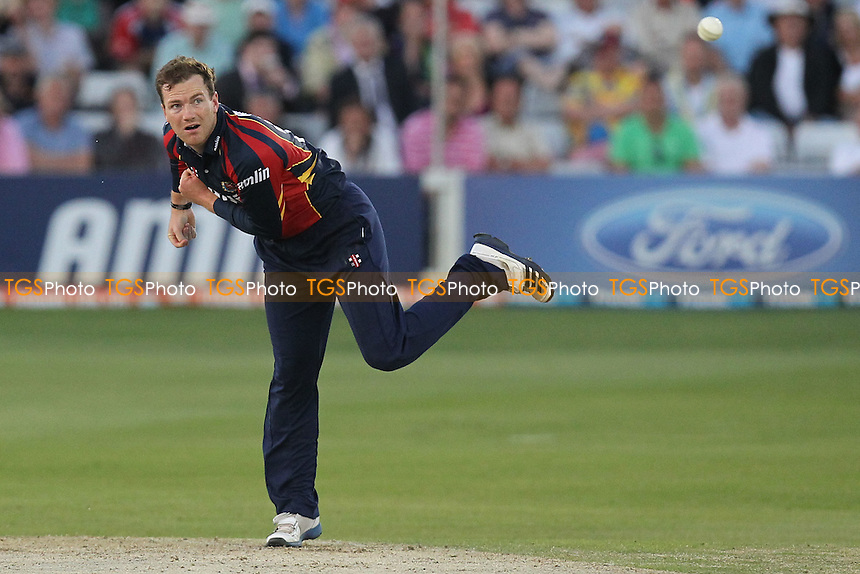 Tim Phillips in bowling action for Essex - Essex Eagles vs Sussex Sharks - Friends Life T20 Cricket at the Ford County Ground, Chelmsford, Essex - 28/06/12 - MANDATORY CREDIT: Gavin Ellis/TGSPHOTO - Self billing applies where appropriate - 0845 094 6026 - contact@tgsphoto.co.uk - NO UNPAID USE.
