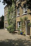 Kensington Church Walk. The Royal Borough of Kensington and Chelsea London W8. England. 2006. Ezra Pound liveed in end house.