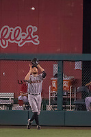 6 August 2016: San Francisco Giants right fielder Hunter Pence pulls in a fly ball for an out against the Washington Nationals at Nationals Park in Washington, DC. The Giants defeated the Nationals 7-1 to even their series at one game apiece. Mandatory Credit: Ed Wolfstein Photo *** RAW (NEF) Image File Available ***