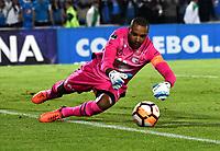 BOGOTÁ - COLOMBIA, 02-09-2018: Robinson Zapata, guardameta de Independiente Santa Fe (COL), en acción, durante partido de vuelta entre Millonarios (COL) y el Independiente Santa Fe (COL), de los octavos de final, llave A por la Copa Conmebol Sudamericana 2018, en el estadio Nemesio Camacho El Campin, de la ciudad de Bogotá. / Robinson Zapata, goalkeeper of Independiente Santa Fe (COL), in action during a match of the second leg between Millonarios (COL) and Independiente Santa Fe (COL), of the eighth finals, key A for the Conmebol Sudamericana Cup 2018 in the Nemesio Camacho El Campin stadium in Bogota city. Photo: VizzorImage / Luis Ramírez / Staff.