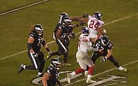 running back Boston Scott (35) of the Philadelphia Eagles läuft mit dem Ball - 09.12.2019: Philadelphia Eagles vs. New York Giants, Monday Night Football, Lincoln Financial Field