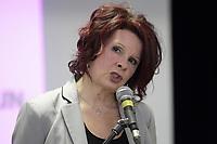 Caroline Lachance ;   mere du jeune diisparu David Fortin, s'adresse aux medias, 10 Fevrier 2014<br /> <br /> PHOTO :  Agence Quebec Presse
