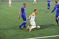 KSV RUMBEKE - KSC WIELSBEKE :<br /> Thomas Coopman (R) gaat neer in een duel met Naigell Vanfleteren (L)<br /> <br /> Foto VDB / Bart Vandenbroucke