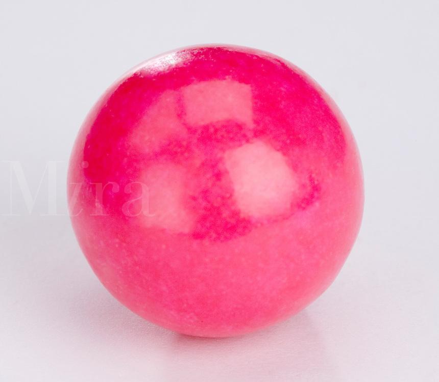 Single large Pink bubble gum bal