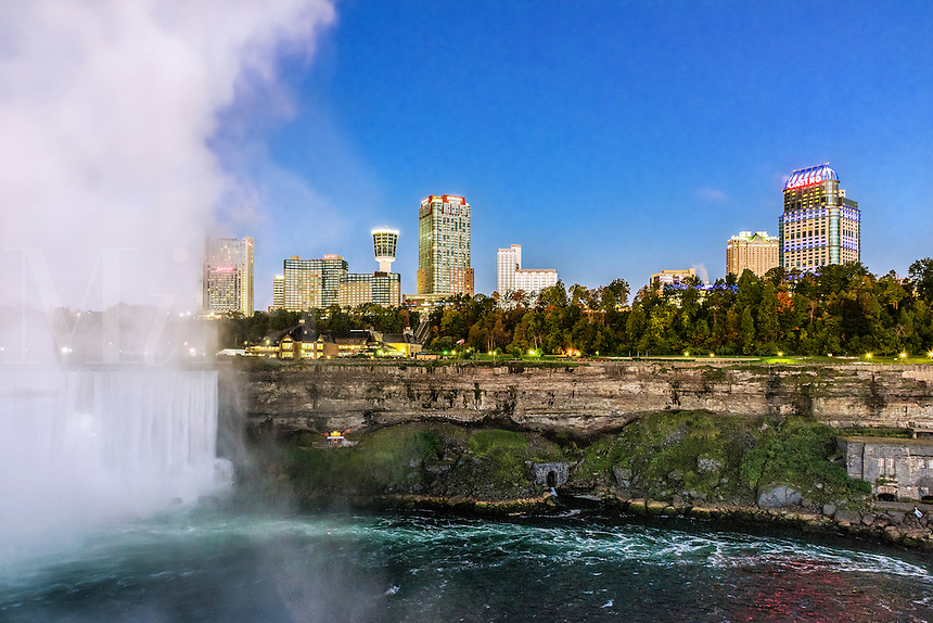 Horshoe Fall and city skyline, Niagara Falls, Ontario, Canada.