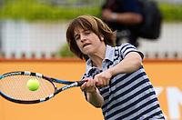 13-06-10, Tennis, Rosmalen, Unicef Open, Ralf Makenbach krijgt tennisles van Miriam Oremans