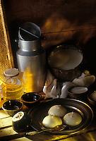 """Europe/France/Languedoc-Roussillon/66/Pyrénées -Orientales/Cerdagne: """"Mel i mato"""" , Miel et lait caillé -  dessert à base de lait et de miel"""