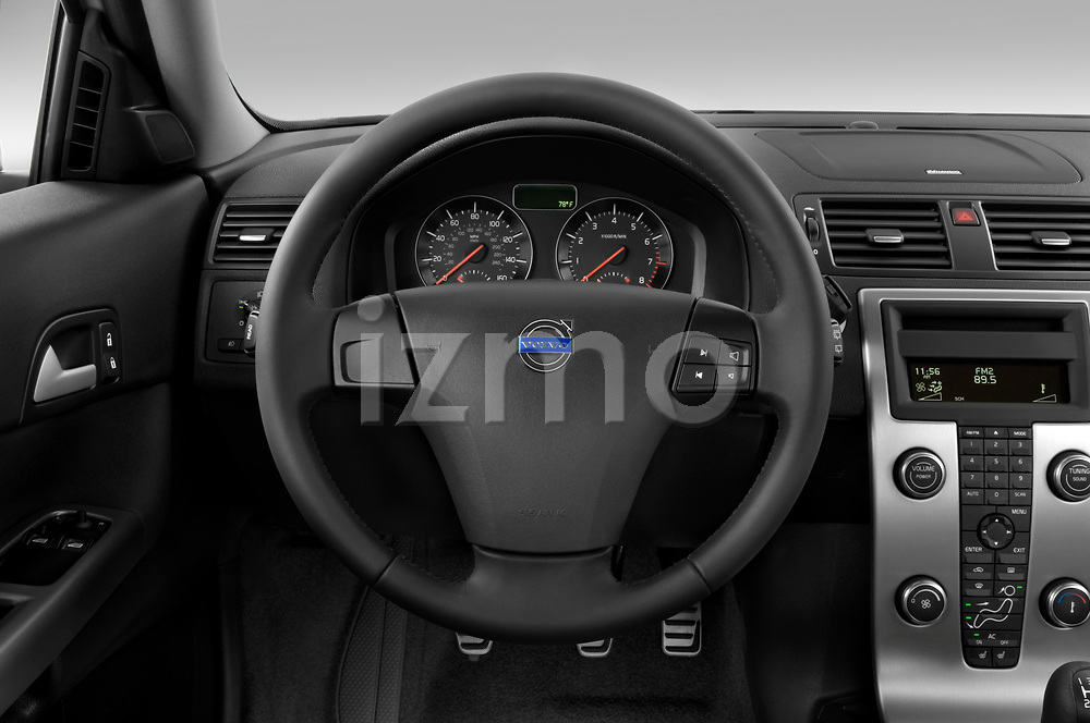 Car pictures of steering wheel view of a 2008 Volvo C30 T5 Version 2.0 2 Door Coupe