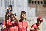 Selfie time for Team Arkea-Samsic at sign on before the start of the 111th edition of Milan- San Remo 2020, running 305km from Milan to San Remo, Italy. 8th August 2020.<br /> Picture: LaPresse/Fabio Ferrari | Cyclefile<br /> <br /> All photos usage must carry mandatory copyright credit (© Cyclefile | LaPresse/Fabio Ferrari)