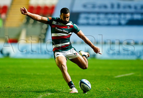 21st November 2020; Welford Road Stadium, Leicester, Midlands, England; Premiership Rugby, Leicester Tigers versus Gloucester Rugby; Zack Henry of Leicester Tigers takes a penalty kick
