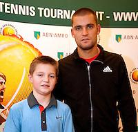 13-2-10, Rotterdam, Tennis, ABNAMROWTT, Persconferentie Youzhny, meet and greet