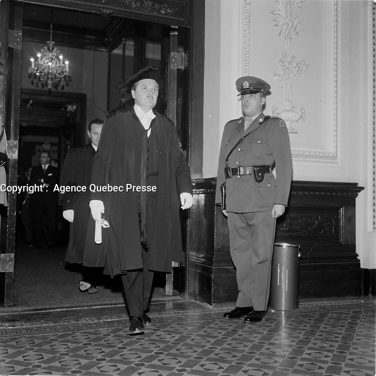 ouverture de la session speciale du Parlement, le 22 octobre 1965<br /> <br /> PHOTO : Agence Quebec Presse - Photo Moderne
