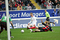 Marco Russ (Eintracht Frankfurt) gegen Jan Rosenthal (Hannover 96)