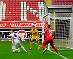 v.li. Nils ROESELER (SV Sandhausen), Torwart Martin FRAISL (SV Sandhausen) und Marvin POURIE (fck)<br /> <br />  beim Vorbereitungsspiel in der 3. Liga, 1. FC Kaiserslautern - SV Sandhausen.<br /> <br /> Foto © PIX-Sportfotos *** Foto ist honorarpflichtig! *** Auf Anfrage in hoeherer Qualitaet/Aufloesung. Belegexemplar erbeten. Veroeffentlichung ausschliesslich fuer journalistisch-publizistische Zwecke. For editorial use only. DFL regulations prohibit any use of photographs as image sequences and/or quasi-video.