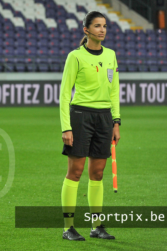 assistant referee Sabrina Keinersdorfer pictured during a female soccer game between RSC Anderlecht Dames and Northern Irish Linfield Ladies  in the first qualifying round for the Uefa Womens Champions League of the 2020 - 2021 season , Wednesday 4 th of November 2020  in ANDERLECHT , Belgium . PHOTO SPORTPIX.BE | SPP | STIJN AUDOOREN