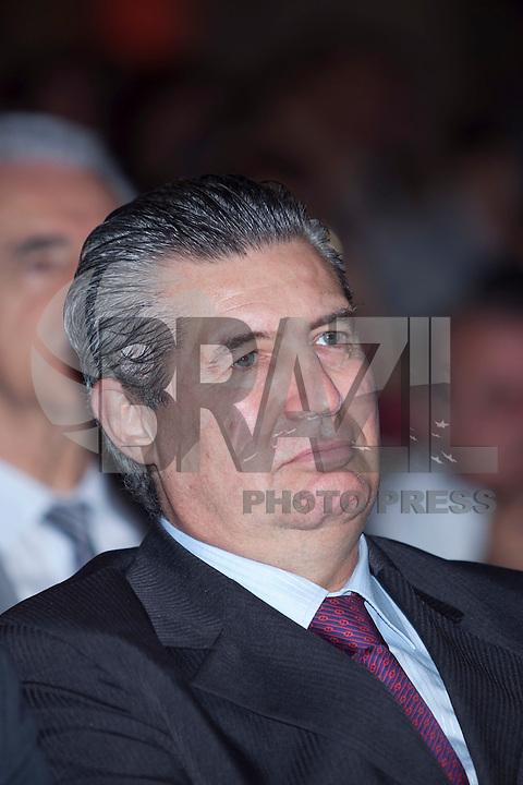 ATENÇÃO EDITOR: FOTO EMBARGADA PARA VEÍCULOS INTERNACIONAIS. SAO PAULO, SP, 11 SETEMBRO DE 2012 - CAMPANHA DOAR E LEGA E A VIDA E RECARREGAVEL DO TJSP - O Governador do Estado, Geraldo Alckmin, o Presidente da Assembleia Estadual, Dep. Barros Munhos e o Presidente do TJSP, Des. Ivan Ricardo Gariso Sartori, lancam nesta manha, 11, na sede do Poder Judiciario paulista, na  zona central da cidade, a camapanha Doar e Legal e a Vida e Recarregavael, a campanha foi idealizada pela esposa do Presidente do TJSP, Dra. Claudia Sartori e tera apoio de do colunista social Amaury Jr, para estimular a doacao de orgaos tanto pelos funcionarios do TJSP bem como a populacao em geral.Nesta foto o Presidente o TJSP, Des. Ivan Sartori. FOTO RICARDO LOU - BRAZIL PHOTO PRESS