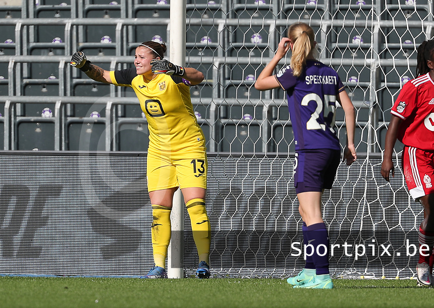 goalkeeper Justien Odeurs (13) of Anderlecht pictured during a female soccer game between RSC Anderlecht Dames and Standard Femina de Liege on the sixth matchday of the 2021 - 2022 season of Belgian Womens Super League , Saturday 9 th of October 2021  in Brussels , Belgium . PHOTO SPORTPIX | SEVIL OKTEM