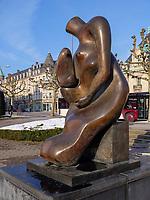 Henry Moore, Mother and Child 1983/84, Avenue de la Libertè, Luxemburg-City, Luxemburg, Europa<br /> ,  Luxembourg City, Europe