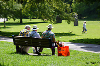 Pictured: People enjoy the weather at Singleton Park in Swansea, Wales, UK. Monday 31 May 2021<br /> Re: Sunshine and high temperatures enjoyed in most parts of the country, during the Bank Holiday Weekend.