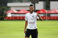 SANTOS, SP, 07.10.2015 - FUTEBOL- SANTOS – Geuvânio , jogador do Santos durante sessão de treinamento no Centro de Treinamento Rei Pelé nesta quarta-feira, 07. (Foto: Flavio Hopp/Brazil Photo Press)