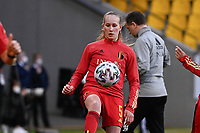 Feli Delacauw (5) of Belgium  pictured during the warming up of a friendly female soccer game between the national teams of Germany and  Belgium , called the Red Flames  in a pre - bid tournament called Three Nations One Goal with the national teams from Belgium , The Netherlands and Germany towards a bid for the hosting of the 2027 FIFA Women's World Cup , on Sunday 21 st of February 2021  in Aachen , Germany . PHOTO SPORTPIX.BE   SPP   STIJN AUDOOREN