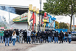 Sämtliche Fans haben sich am Alsenweg versammelt um die Mannschaft aufzuheizen beim Spiel in der 3. Liga, 1. FC Kaiserslautern - SV Waldhof Mannheim.<br /> <br /> Foto © PIX-Sportfotos *** Foto ist honorarpflichtig! *** Auf Anfrage in hoeherer Qualitaet/Aufloesung. Belegexemplar erbeten. Veroeffentlichung ausschliesslich fuer journalistisch-publizistische Zwecke. For editorial use only. DFL regulations prohibit any use of photographs as image sequences and/or quasi-video.