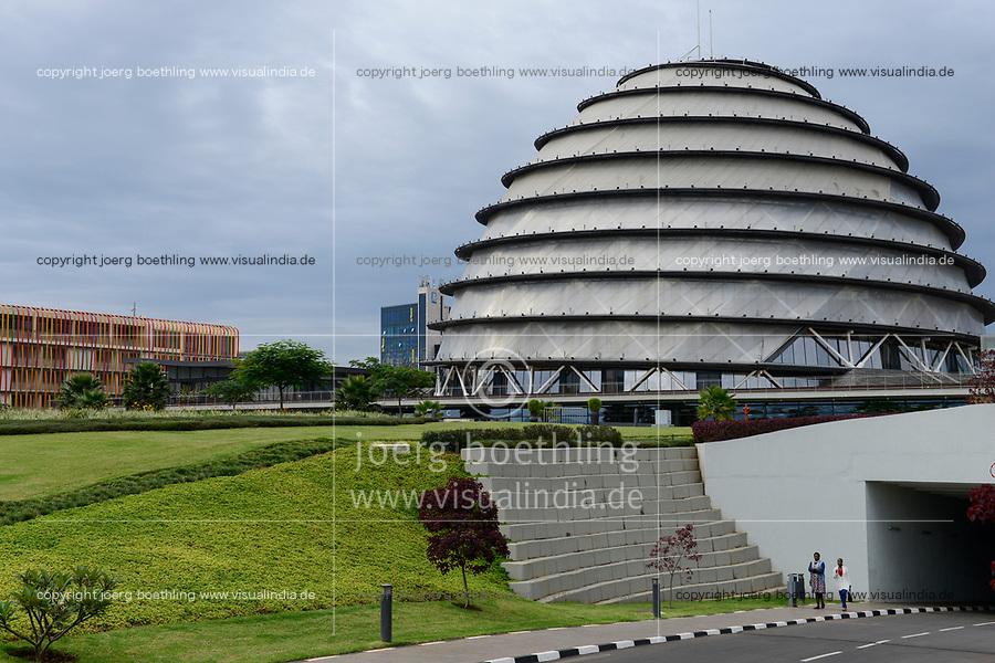 RWANDA, Kigali, Convention Center  / RUANDA, Kigali, Convention Center, Kongresszentrum links Radisson Blu Hotel