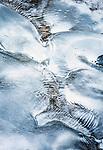 Italien, Suedtirol (Trentino - Alto Adige), St. Martin in Thurn - Ortsteil und Bergsteigerdorf Campill im Campilltal: natuerliche Eisgebilde am Campillbach | Italy, South Tyrol (Trentino - Alto Adige), Campill Valley (Val di Longiarù): mountain village Campill (Longiarù) - natural ice structures at Rio di Longariù