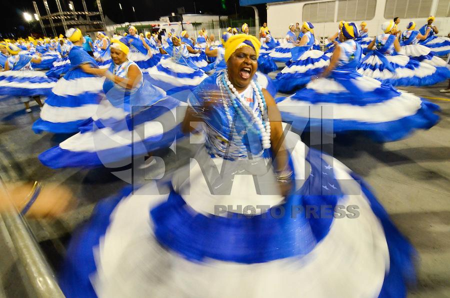 SÃO PAULO, SP, 05.02.2015 - ENSAIO TÉCNICO ÁGUIA DE OURO - Ensaio técnico da escola de samba Águia de Ouro, na preparação para o Carnaval 2015. O ensaio foi realizado na noite desta quinta feira (05) no Sambódromo do Anhembi, em São Paulo. (Foto: Levi Bianco / Brazil Photo Press)