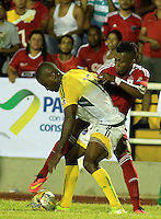 CALI -COLOMBIA-29-02-2016. Jhoaho Hinestroza (Der) Orsomarso SC disputa el balón con Yhon Manyoma (Izq) jugador de América Cali durante partido de la fecha 3 del Torneo Águila 2016 jugado en el estadio Ciro Lopez de Popayán./ Jhoaho Hinestroza (R) player of Orsomarso SC struggles the ball with Yhon Manyoma (L) player of America de Cali during the date 3 match of the Aguila Tournament 2016 played at Ciro Lopez stadium in Popayan. Photo: VizzorImage/Juan C. Quintero/