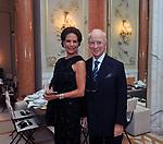 MARISELA E PAOLO FEDERICI<br /> CHARITY DINNER VILLA LETIZIA 2009 ORGANIZZATO DA EMMA BONINO