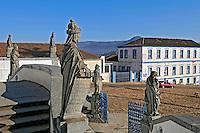 Basílica de Matosinhos e profetas de Aleijadinho. Congonhasdo Campo. Minas Gerais. 2008. Foto de Ricardo Azoury