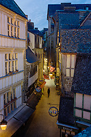 Europe/France/Normandie/Basse-Normandie/50/Manche: Baie du Mont Saint-Michel, classée Patrimoine Mondial de l'UNESCO, Le Mont Saint-Michel  , la grande rue // Europe/France/Normandie/Basse-Normandie/50/Manche: Bay of Mont Saint Michel, listed as World Heritage by UNESCO,  The Mont Saint-Michel, the long street