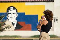 - La Guaira, in the port district....- La Guaira, nel quartiere del porto
