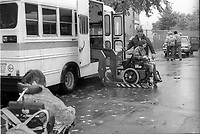 TRansport d'handicappes<br /> , 1995<br /> <br /> PHOTO :   agence Quebec Presse  -  Fond Chronopresse