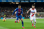 Nelson Cabral Semedo (L) of FC Barcelona battles for the ball with Ruben Duarte of Deportivo Alaves during the La Liga 2017-18 match between FC Barcelona and Deportivo Alaves at Camp Nou on 28 January 2018 in Barcelona, Spain. Photo by Vicens Gimenez / Power Sport Images
