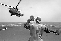 - Italian Navy, Vittorio Veneto cruiser, SH-3D helicopter deck landing (May 1984)<br /> <br /> - Marina Militare Italiana, incrociatore Vittorio Veneto, appontaggio di un elicottero SH-3D (Maggio 1984)