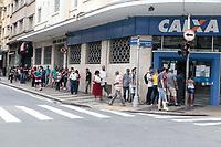 Campinas (SP), 03/04/2020 - Covid-19/Comércio - Movimentação de pedestres nas ruas da região central da cidade de Campinas, interior de São Paulo, nesta sexta-feira (3).