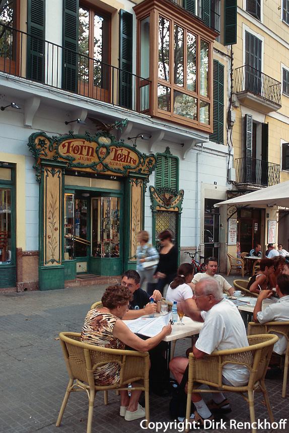 Spanien, Mallorca, Bäckerei Forn des Teatre auf der Placa Weyler in Palma de Mallorca