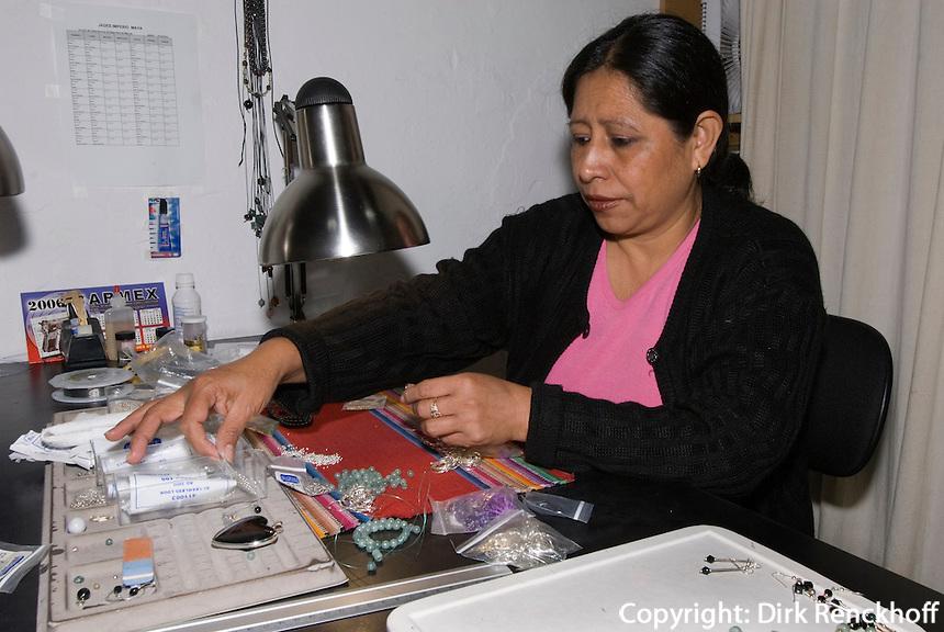 Guatemala, Jadeschnitzerei in Antigua