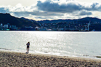 Oriental Bay on Queens Birthday weekend in Wellington, New Zealand on Sunday, 31 May 2020. Photo: Dave Lintott / lintottphoto.co.nz