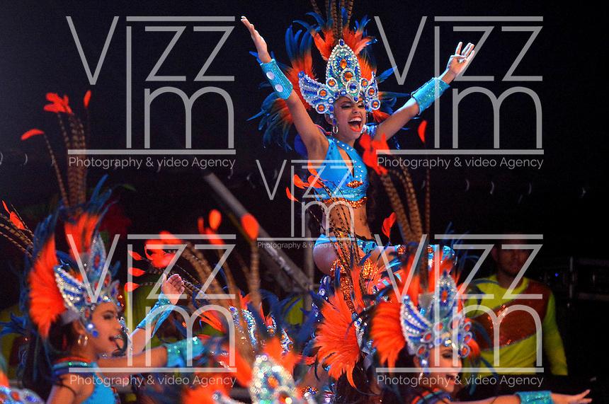 BARRANQUILLA-COLOMBIA- 11-02-2017: Comparsa Karana participante en La Fiesta de Danzas y Cumbias del Carnaval de Barranquilla 2016 invita a todos los colombianos a contagiarse del Jolgorio general encabezado por su reina Marcela Garcia Caballero. Este desorden organizado dará la oportunidad de apreciar a propios y extraños el desfile de danzas, disfraces y hacedores del carnaval que la convierten en una de las festividades más importantes del país y que se lleva a cabo hasta el 9 de febrero de 2016. / Karana comparsa paticipant of The party of Dances and Cumbias of Carnaval de Barranquilla 2016 invites all Colombians to catch the general reverly led by their Queen Marcela Garcia Caballero. This organized disorder gives the oportunity to appreciate, by friends and strangers, the parade of dancers, customes and carnival makers that make it one of the most important festivals of the country and take place until February 9, 2016.  Photo: VizzorImage / Alfonso Cervantes / Cont