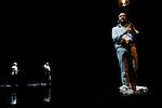 CE QUE J'APPELLE OUBLI<br /> <br /> Texte : Laurent Mauvignier, Ce que j'appelle oubli (Editions de Minuit)<br /> Chorégraphie & mise en scène : Angelin Preljocaj<br /> Musique : 79D<br /> Scénographie & costumes : Angelin Preljocaj<br /> Création lumières : Cécile Giovansili-Vissière<br /> Narrateur : Laurent Cazanave<br /> Danseurs :<br /> Aurélien Charrier, Fabrizio Clemente, Baptiste Coissieu, Carlos Ferreira Da Silva, Liam Warren, Nicolas Zemmour<br /> Assistant, adjoint à la direction artistique : Youri Van den Bosch<br /> Choréologue : Dany Lévêque<br /> Compagnie : Ballet Preljocaj<br /> Théâtre de la Ville<br /> Ville : Paris<br /> © Laurent Paillier / photosdedanse.com